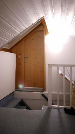 Suzanne's: Loft Room