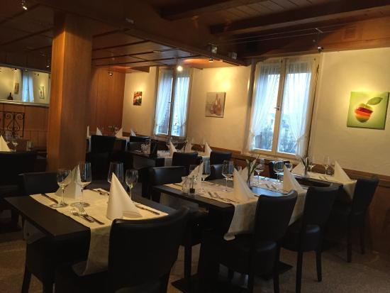 Bubikon, Швейцария: Restaurant