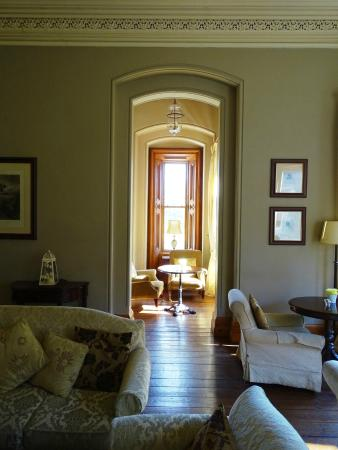 Ballina, Irlanda: The beautifully furnished Mount Falcon Hotel