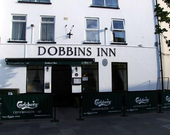 Dobbins Inn Hotel: Entry to Hotel