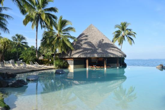 InterContinental Tahiti Resort & Spa : Pool bar