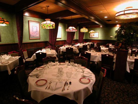 Joey's Classic Italian Dining: Joeys Dining Room