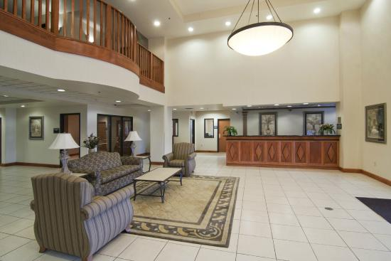 Best Western Plus Coon Rapids North Metro Hotel: Front Lobby