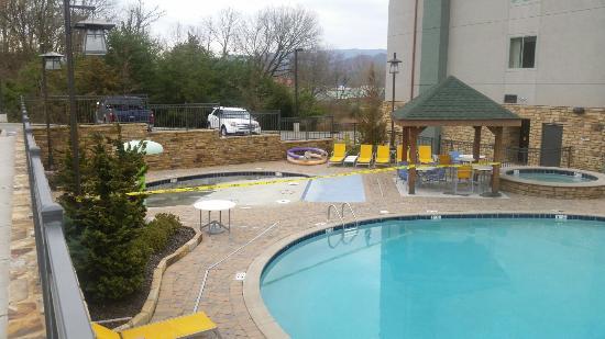 Hampton Inn Pigeon Forge: The outdoor heated pool