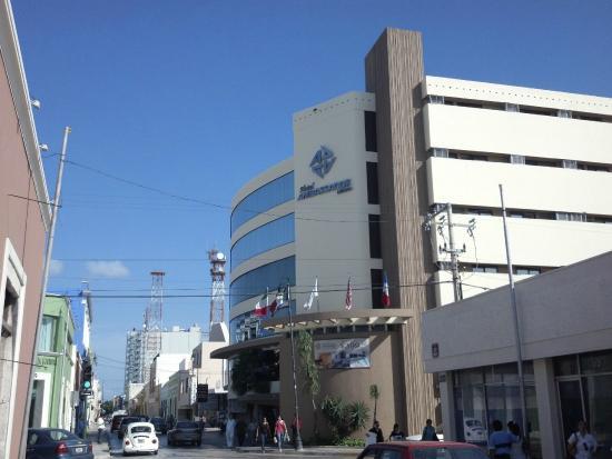Hotel Ambassador Merida: Desde afuera