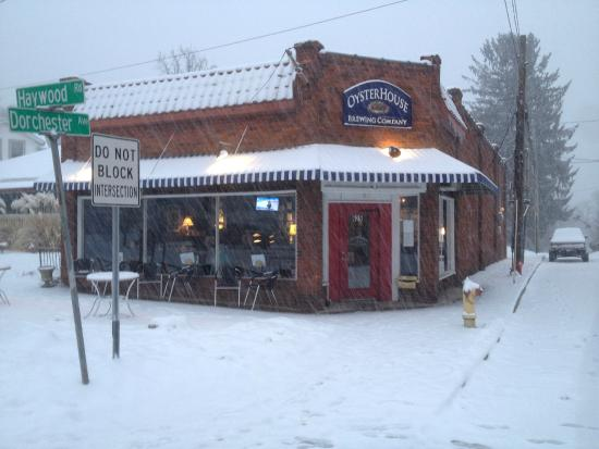 Photo of American Restaurant Oyster House Brewing Company at 625 Haywood Rd, Asheville, NC 28806, United States