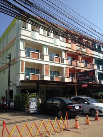 Pranang Flora House: Вход
