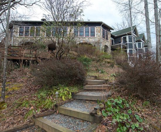 The lodge on lake lure nc review losmen perbandingan for Cabine sospese di rock state park nc