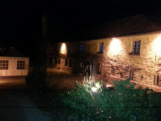 Hôtel Restaurant Château Landsberg : super bien illuminé la.nuit!