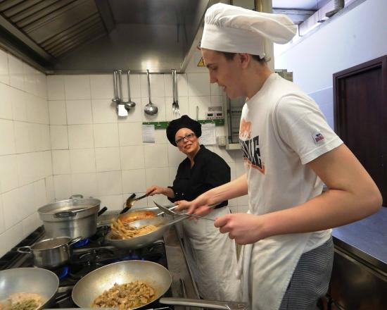 Intanto in cucina foto di ristorante piccola italia - Piccola cucina milano ...