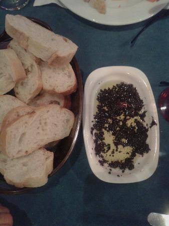 Beyaz Inci : Bread and olive paste