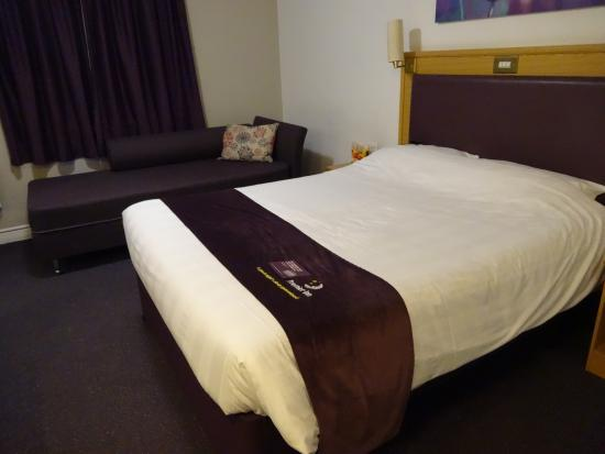Premier Inn Liverpool (West Derby) Hotel: Room 64
