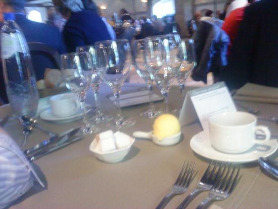 Salons Waerboom : Gedekte tafel :)