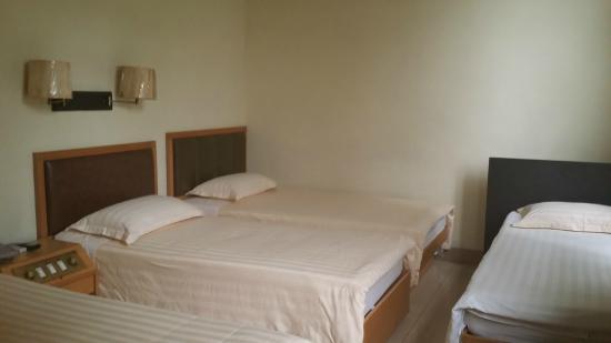 Hou Kong Hotel: 4 beds room