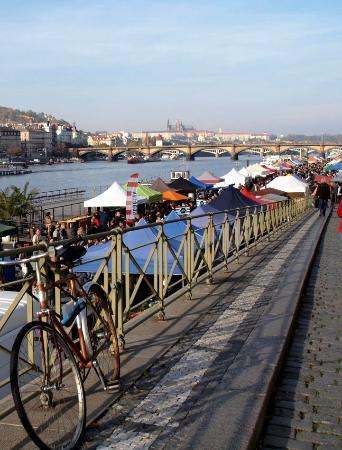 Naplavka Farmers Market