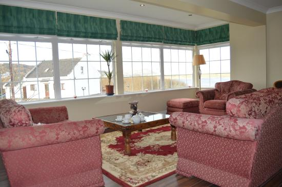 Lake House Country Hotel: Upstairs lounge area