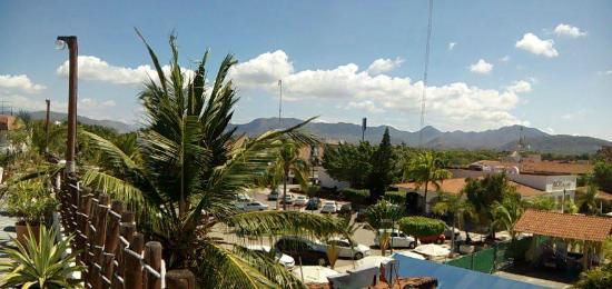 Hotel Suites Ixtapa Plaza: Vista desde la alberca