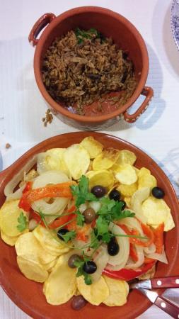 bacalhau à velhos tempos e arroz de pato com pinhoes
