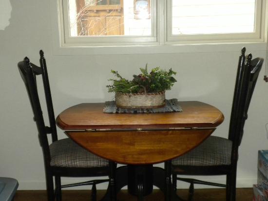 Bridge Street Cottages: Dining River Cottage