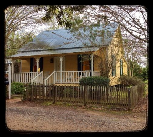 Maison D'Memoire Bed & Breakfast Cottages: the Prarie Haven Cottage