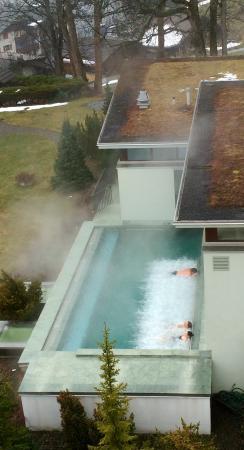 Parkhotel Bellevue: Outdoor heated spa pool