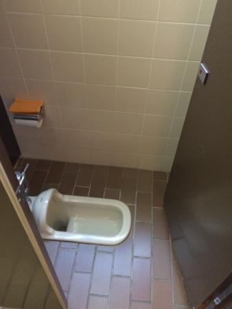 Suzuya Konnichiro: 一階トイレ