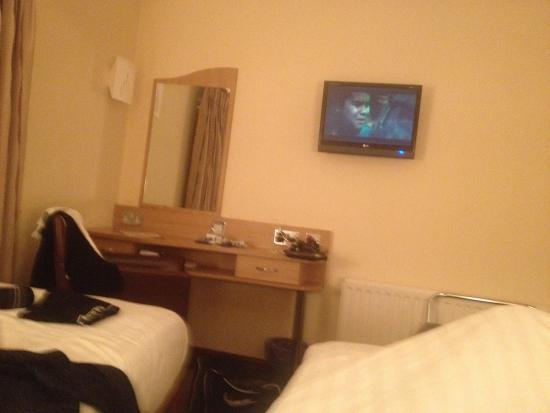 Queensgate Hotel: My room