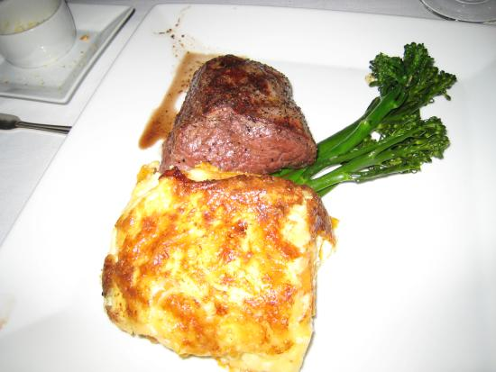 Left Bank Restaurant: Tenderloin and AuGratin Potatoes