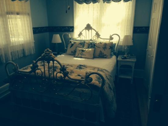 Inn on Main Street B&B: Photo of bedroom at the Inn on Main Street, Weaverville, NC
