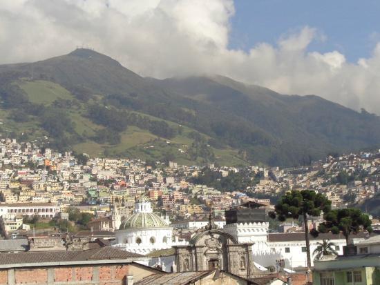 Hotel San Francisco de Quito : Vista de Quito colonial, desde la terraza