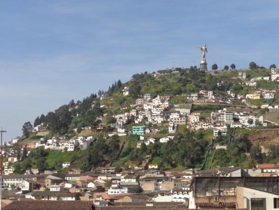Hotel San Francisco de Quito : Vista de El Panecillo desde la terraza del hotel