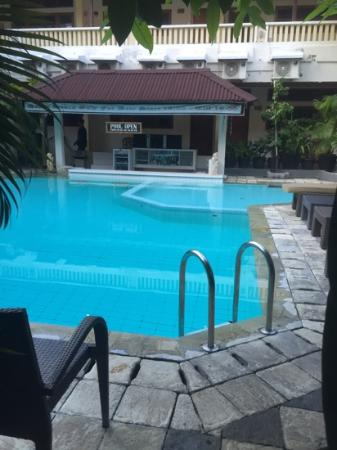 Rosani Hotel: 9 steps to swimming pool perfect