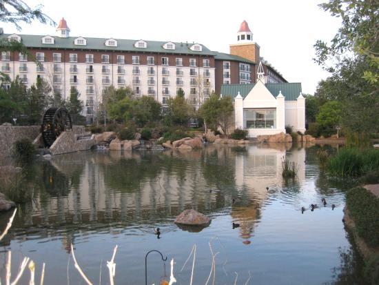 Barona Casino: Entrance to the Barona Resort & Casino