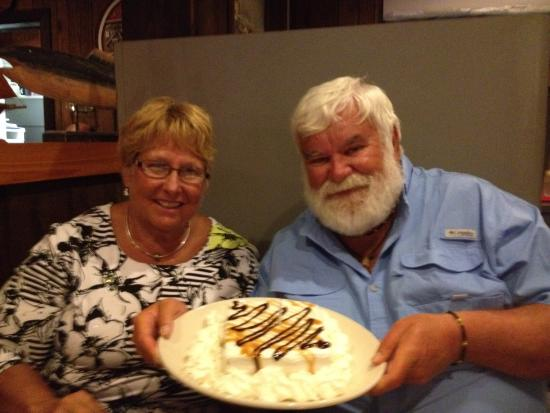 Blackbeards Inn: Anniversary cake.