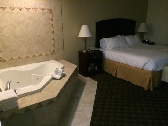 Holiday Inn Express West Jefferson : room 100