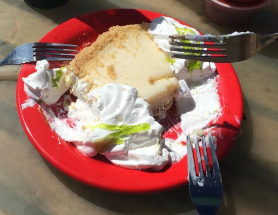 Key Lime Cheesecake!!: fotografía de Tacky Jacks 2, Fort Morgan ...
