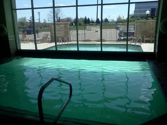 Drury Inn & Suites Cincinnati Sharonville: pool