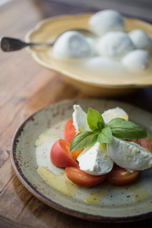 S Y Kitchen : Our fresh tomato and mozzarella salad