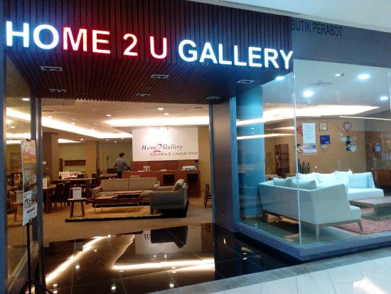 Gurney Paragon Mall: Furniture Shopping