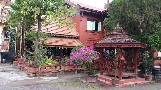 Wat Hua Wiang Tai Temple