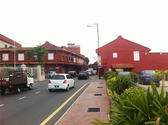 Prima Hotel Melaka: red square (dutch square) entrance area