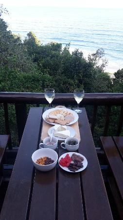 Wilderness Bushcamp : Dining with a view