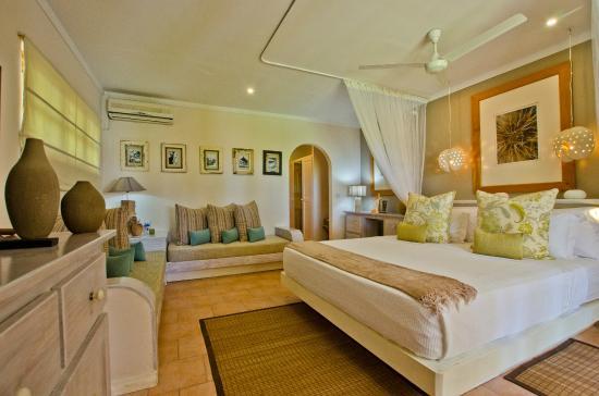 Avis Oasis Hotel Restaurant Grand Anse Seychelles