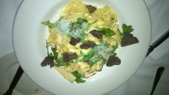 The Heritage Wine Bar: truffle fettuccini