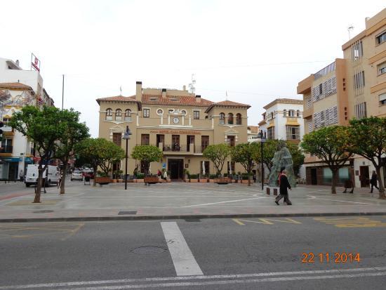 Hotel Casa Consistorial: вид отеля с улицы
