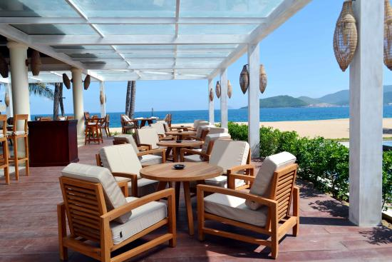 Ana Beach House Bar & Restaurant: Restaurant terrace