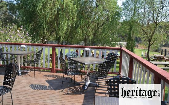 Heritage 3059 Restaurant: The deck in the sunshine.