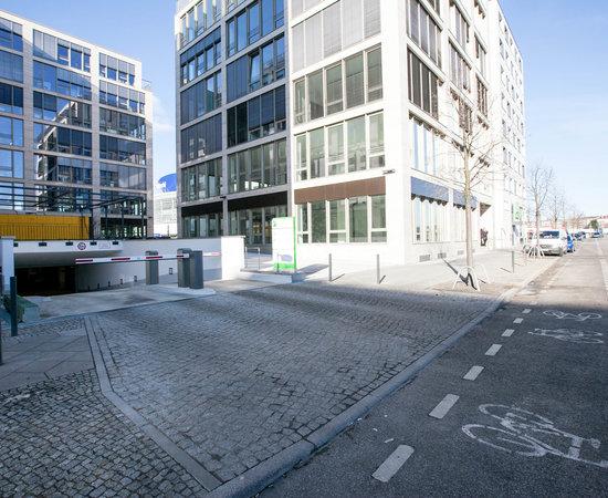 holiday inn berlin city east side bewertungen fotos preisvergleich. Black Bedroom Furniture Sets. Home Design Ideas