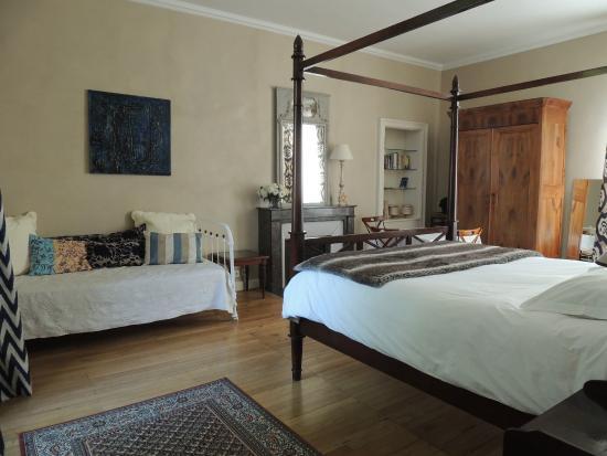 La maison d 39 hotes nantes centre prices guest house for Chambre hote nantes