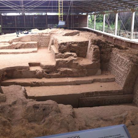 Lambayeque, Peru: bellos frisos que vienen siendo descubiertos por los arqueólogos del Ministerio de Cultura